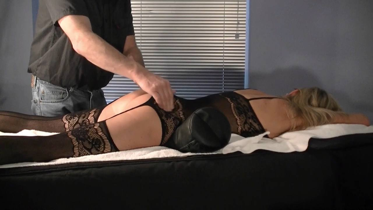 Butt Massage during Happy Ending Massage